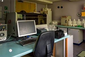 逃离生物研究中心